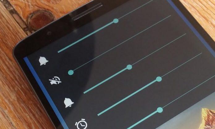 Cómo configurar los niveles de volumen predeterminados para cada uno de los accesorios de Bluetooth