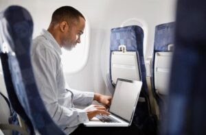 Cómo ser productivo en los vuelos cuando se prohíben los portátiles