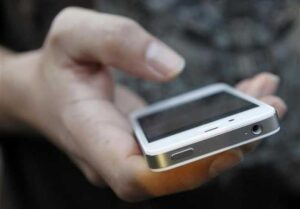 Cómo compartir fácilmente canciones o cualquier medio en el iPhone a través de WhatsApp