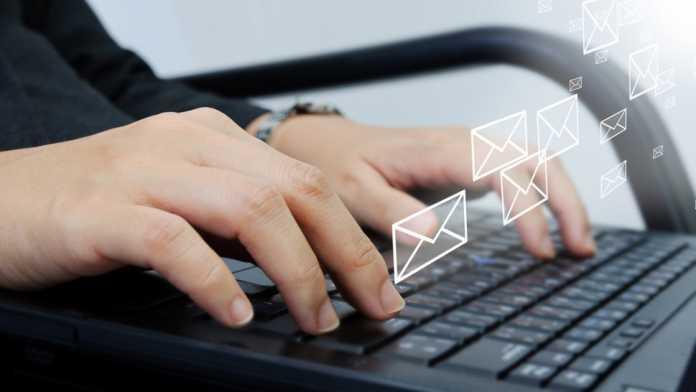 Cómo comprobar si una dirección de correo electrónico es válida o no