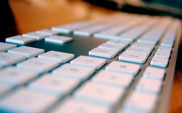 Cómo arreglar los botones de inicio y final para un teclado externo en el MAC